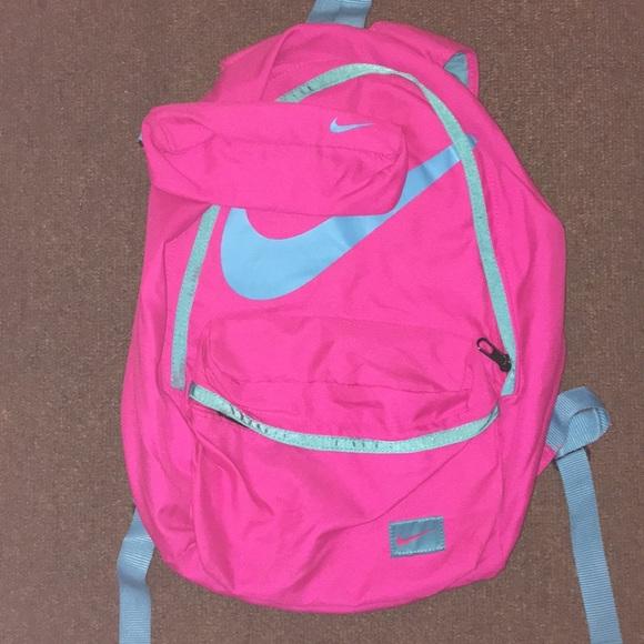 a7f5c83777 Nike Back Backpack 🎒 💕. M 5bd3b3482beb79c21f1354b4